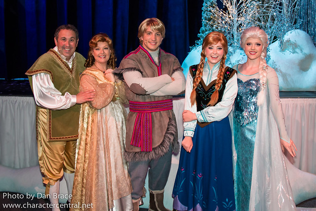 Meeting the Frozen Sing-Along characters