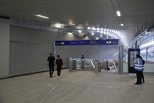 London Bridge Station - upper concourse link to lower concourse