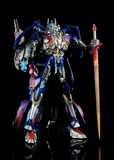 【玩具人'sumsum'投稿】Takara Tomy(AD31): Optimus Prime-Age of Extinction(Armor Knight)