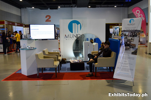 Mundo Builders Exhibit Stand