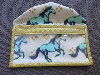 At a glance pouch