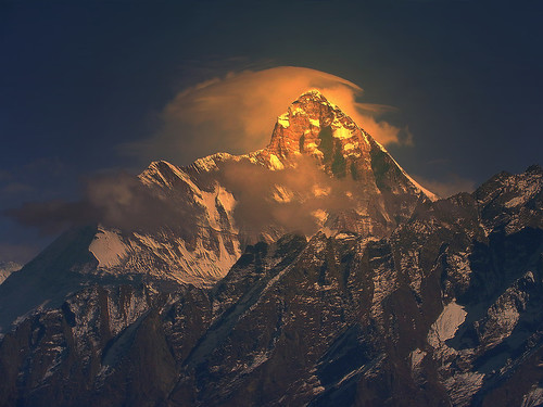 sunset cloud india mountain color colour trek landscape evening twilight sundown dusk peak queen uttaranchal rays nanda himalaya highaltitude lustre nandadevi garhwal lopamudra uttarakhand kuari uttarkhand lopamudrabarman