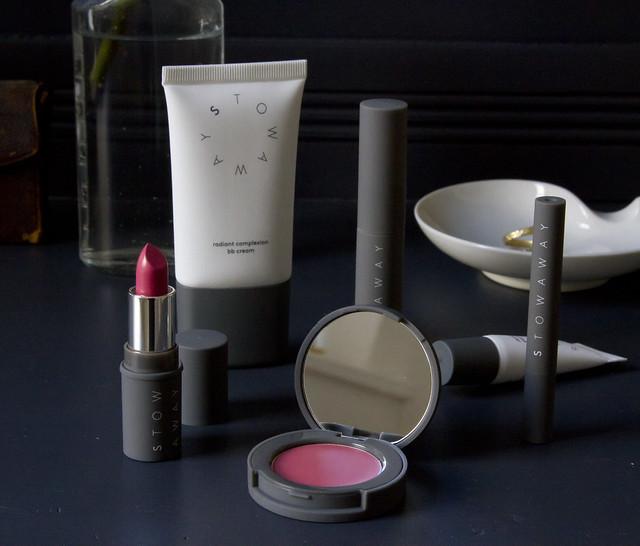 stowaway cosmetics giveaway | reading my tea leaves