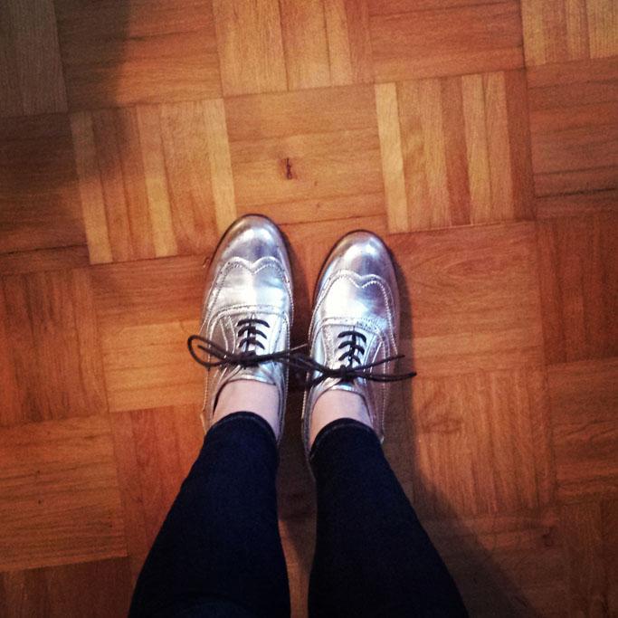 Silberne schuhe - silver brogues
