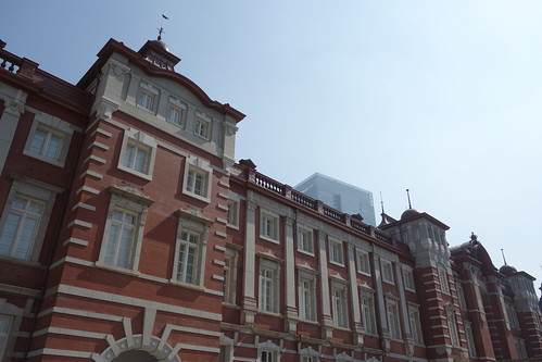 Tokyo Station_4 東京駅舎を撮影した写真。 古風な赤煉瓦造りである。