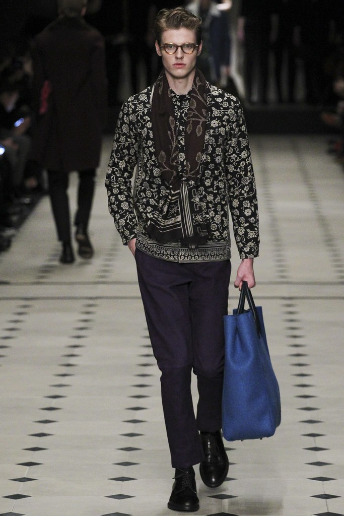 FW15 London Burberry Prorsum011_Chris Overgaard(VOGUE)
