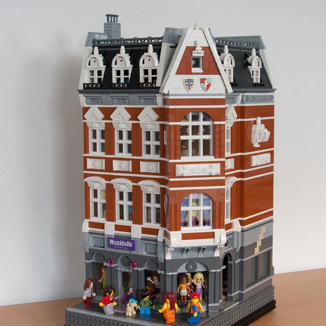 Maxidolls Store front 1