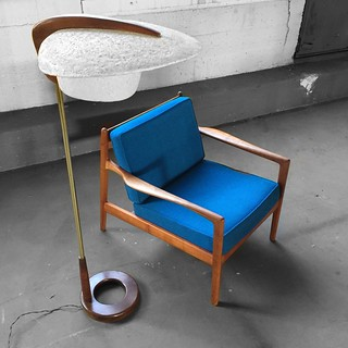 Unique Midcentury Modern Modeline Sculptural Brass and Walnut Spun Fiberglass Floor Lamp (U.S.A., 1960s)