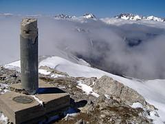 Picos tras la niebla desde el Coriscao