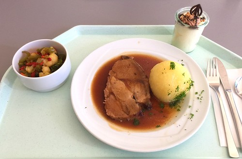 Pork roast in dark beer sauce / Schweinebraten in Dunkelbiersauce