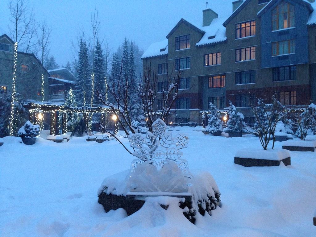Hilton Whistler Courtyard