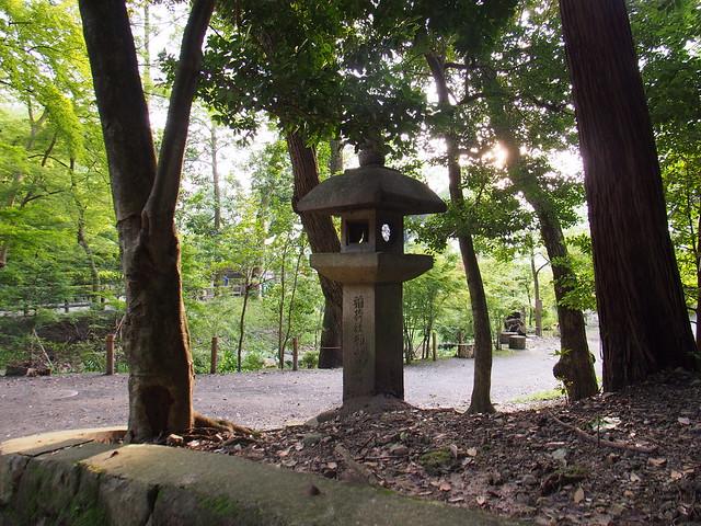 伏見稻荷大社的石燈籠