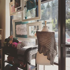 Visiting my Silk Road with the lovely ladies at @allwoundupyarnshop