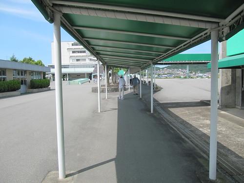 姫路競馬場の通路