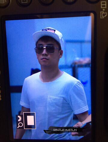 Big Bang - Incheon Airport - 07aug2015 - Gentle_Hustlin - 02
