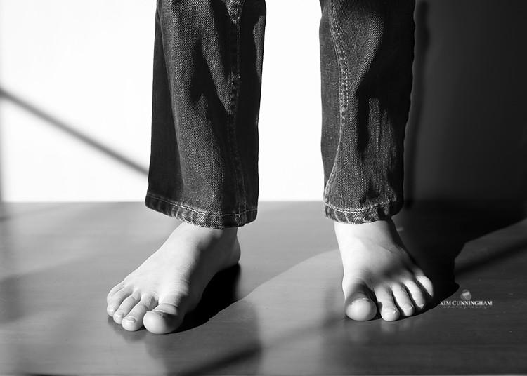 jaspers feet and shadows