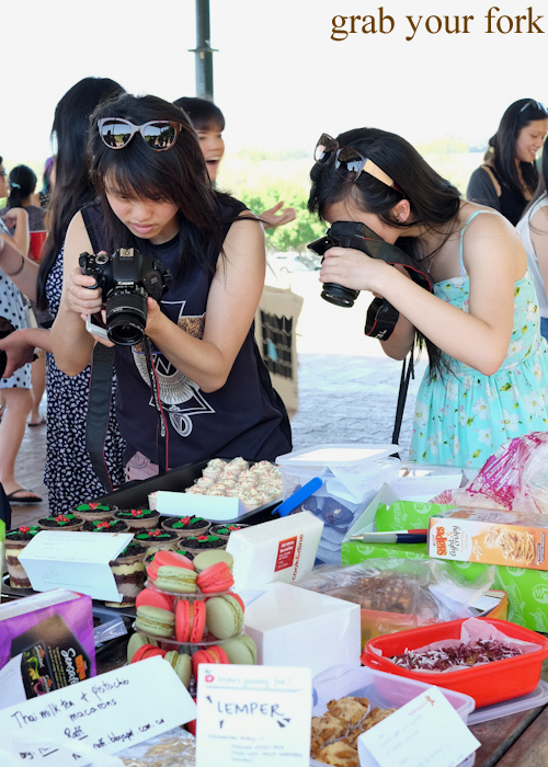Food bloggers photographing food at the Sydney Food Bloggers Christmas Picnic 2014 #sydfbxmas2014