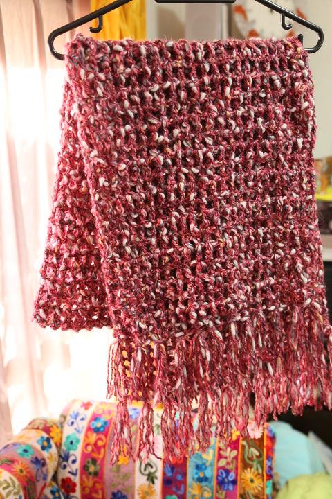 イタリア毛糸の手編みマフラー