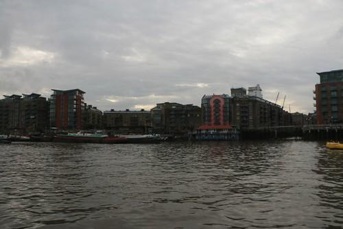 Londra vista navigando sul Tamigi