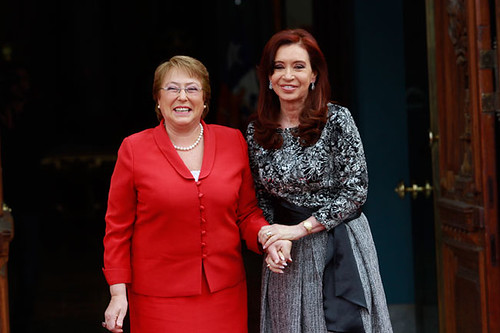 Cristina y Bachelet visitarán a Francisco en enero