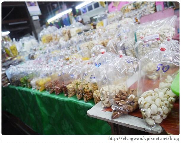 泰國-泰北-清邁-Somphet Market-Tip's Best Fresh Fruit Smoothie-市場-果汁攤-酸奶水果沙拉-燕麥水果優格沙拉-香蕉Ore0-泰式奶茶-早餐-16-597-1