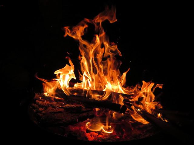 Etre tout feu tout flamme