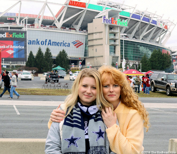 dallas cowboys vs washington redskins - alyssa and sherry riter - 2