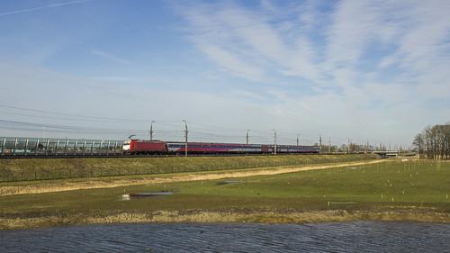 28-02-2015 - 186 120 met IC Direct naar Rotterdam