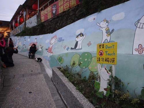 貓村壁畫:讓猴硐轉為專屬貓的純正性空間元素之三。圖片來源:思其