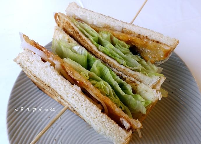 15 板橋萬粟華碳燒三明治