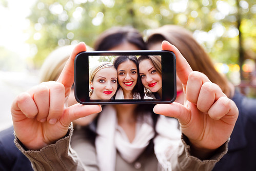 Dr. Joel Schlessinger comments on the rise of plastic surgery due to selfies