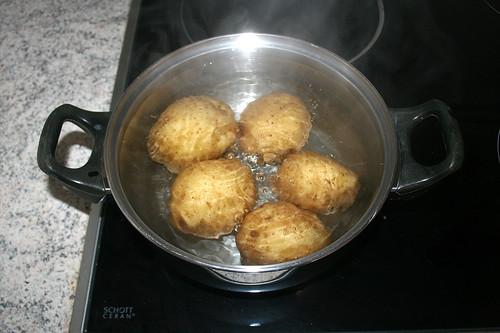 27 - Kartoffeln mit Schale kochen / Cook potatoes unpeeled
