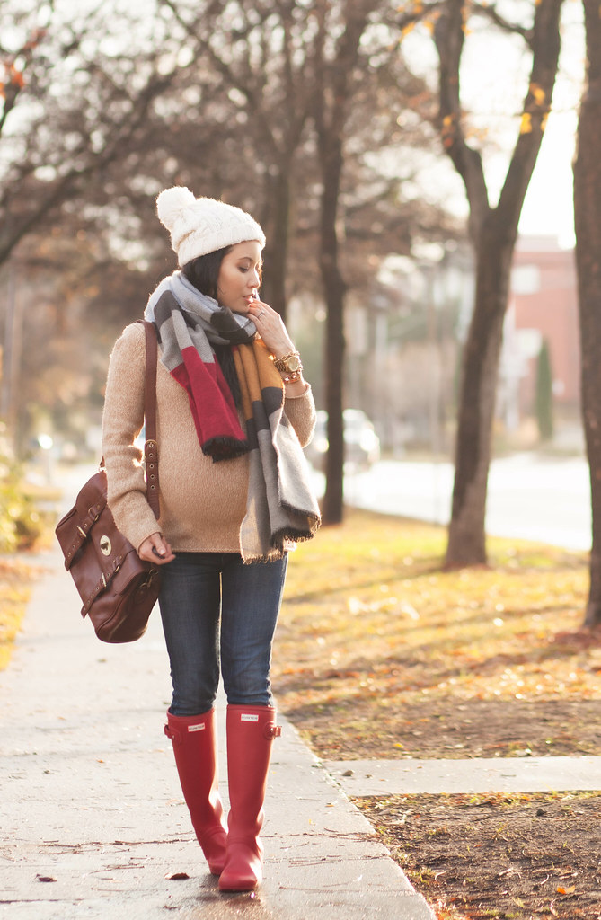 cute & little blog | petite fashion #maternity #bumpstyle #thirdtrimester | colorblock scarf, pompom beanie, red hunter tour boots | fall winter outfit