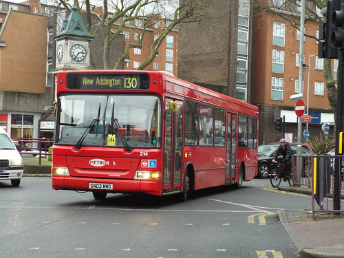 Newly extended - Go-Ahead London (Metrobus) 214, SN03WMG at Thornton Heath Clock Tower on route 130