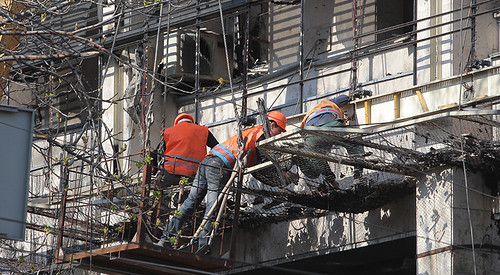 Відновлювати Будинок профспілок небезпечно