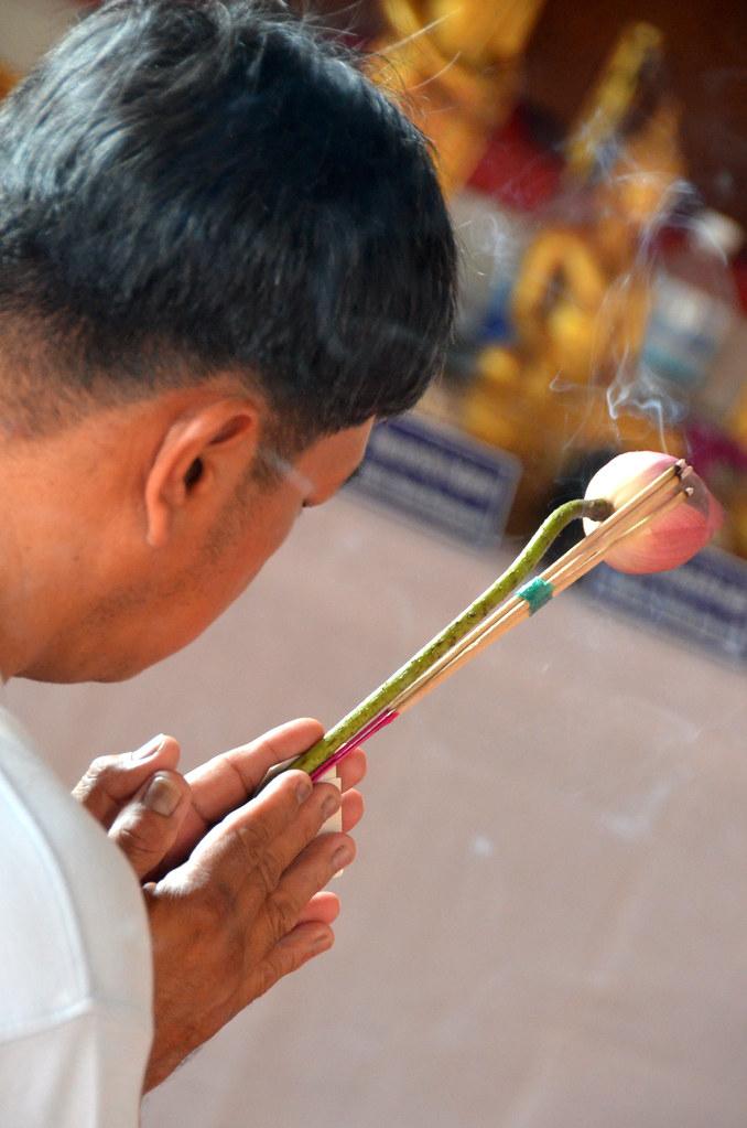 Ritual budista en Bangkok