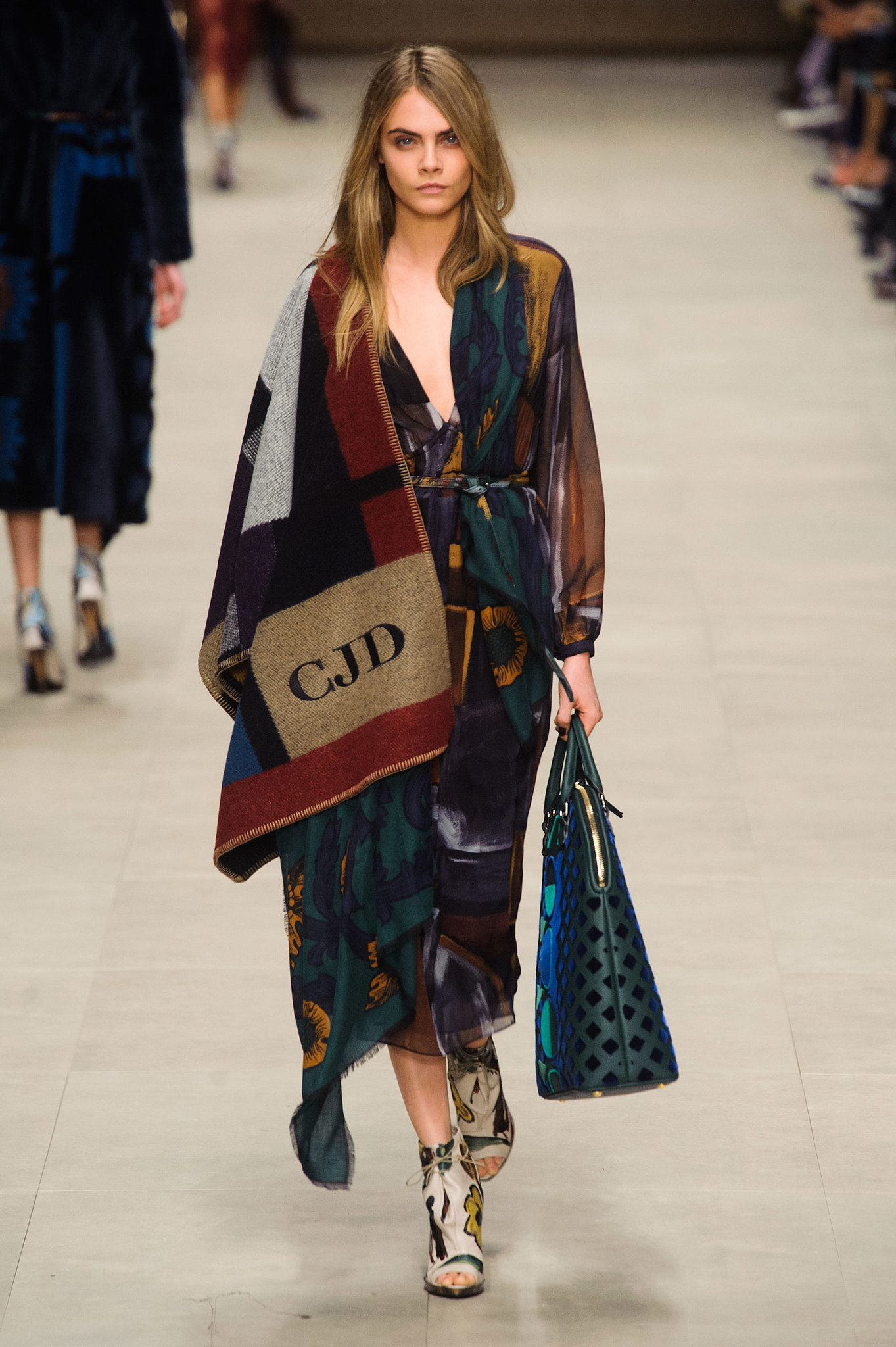 cara delevigne burberry runway something fashion spain valencia wrap coat scarf initials personalized cape
