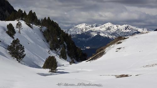 nature rio canon nieve paisaje bosque nubes invierno andorra montañas pirineos andorre encamp cs5 canoneos50d principatdandorra андорра kikematas canonefs18200f3556is cortalsdencamp riudelesdeveses