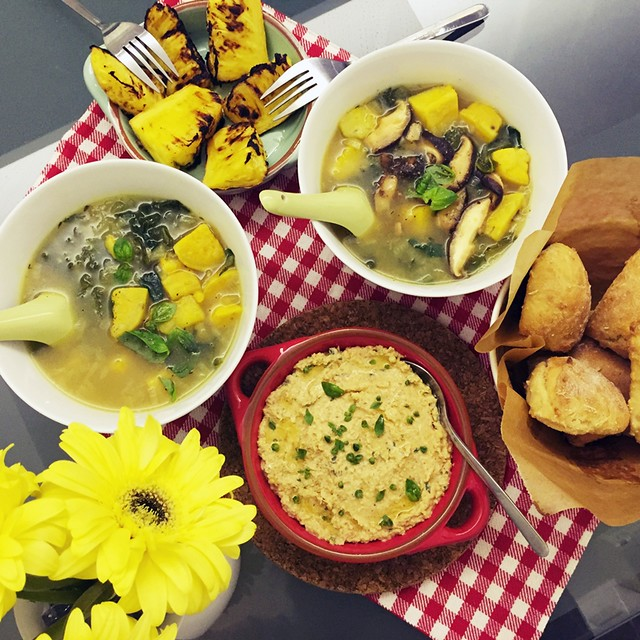 Sweet Potato & Kale Soup | Sundries Tomatoes Basil Hummus & Greek Yogurt Biscuits | Grilled Pineapples