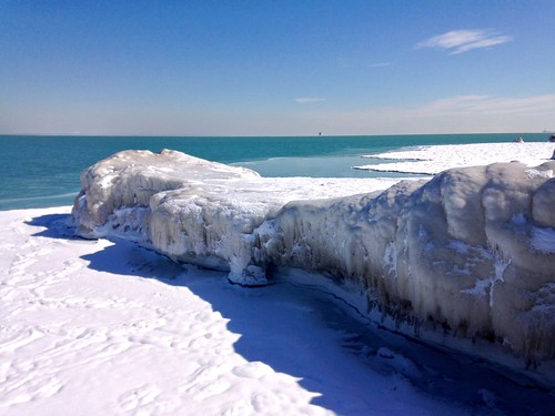 winter chicago ice frozen lakeshore icy lakefront fosterbeach pw iphone iphoneography