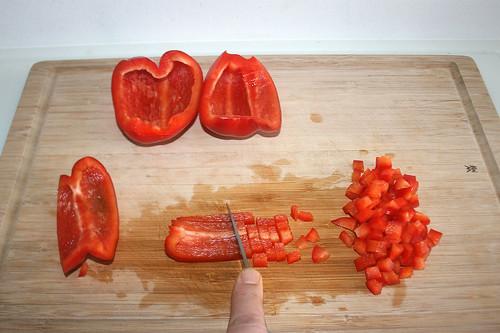 15 - Paprika würfeln / Dice bell peppper