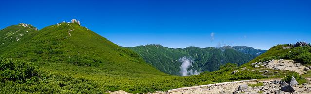 空木岳、駒石、、、奥には宝剣岳・木曽駒ケ岳