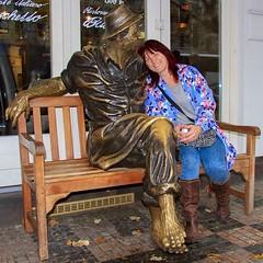 Mrs H with new best friend #canon7d #prague #nofilter #frozen #statue