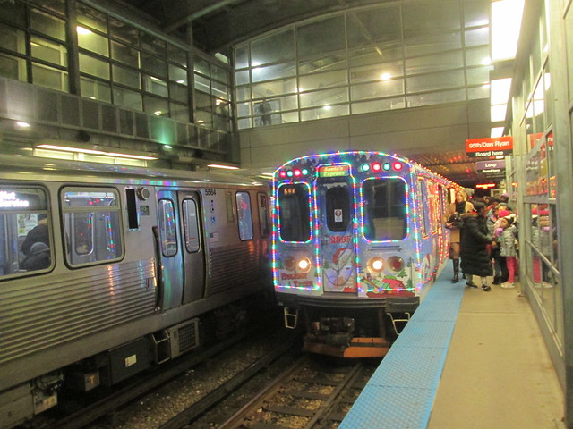 Southbound Yellow Line Holiday train and the regular Red Line train at Howard 'L' Station