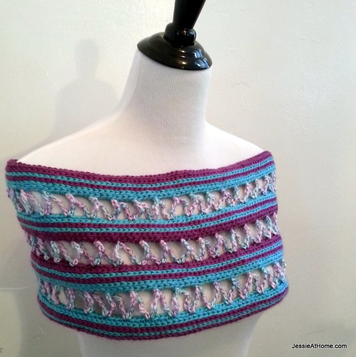 Candy-Ribbons-Cowl-Jessie-At-Home