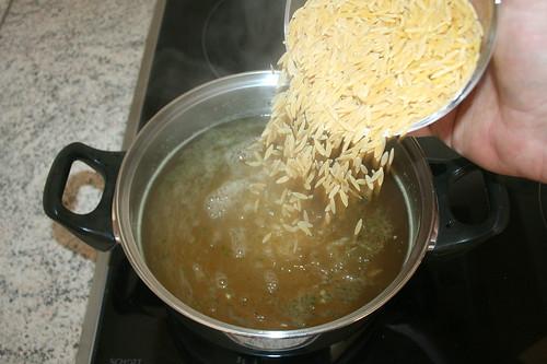 22 - Kritharaki kochen / Cook kritharaki