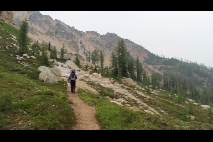 0889 Panorama video from just north of Cutthroat Pass on the PCT