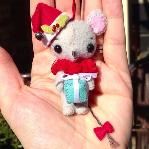 Gingermelon tiny mouse felt ornament