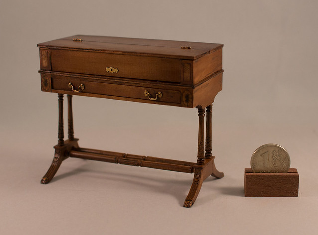 Duncan Phyfe Spinet Desk