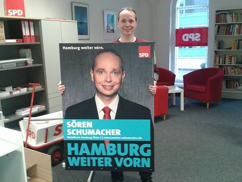 Wahlplakate von Sören Schumacher sind angekommen